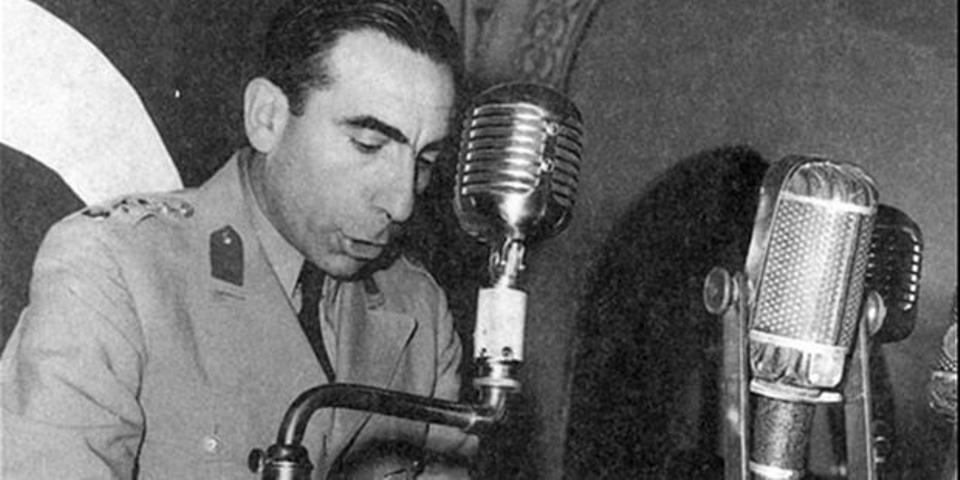Alparslan Türkeş verkündete per Radioübertragung den Staatsstreich der türkischen Nation und der ganzen Welt.