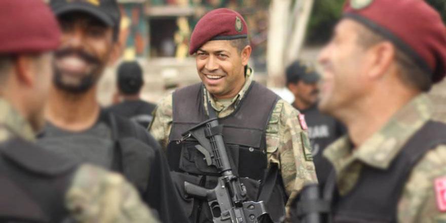 Ömer Halisdemir bei einer Militärübung.