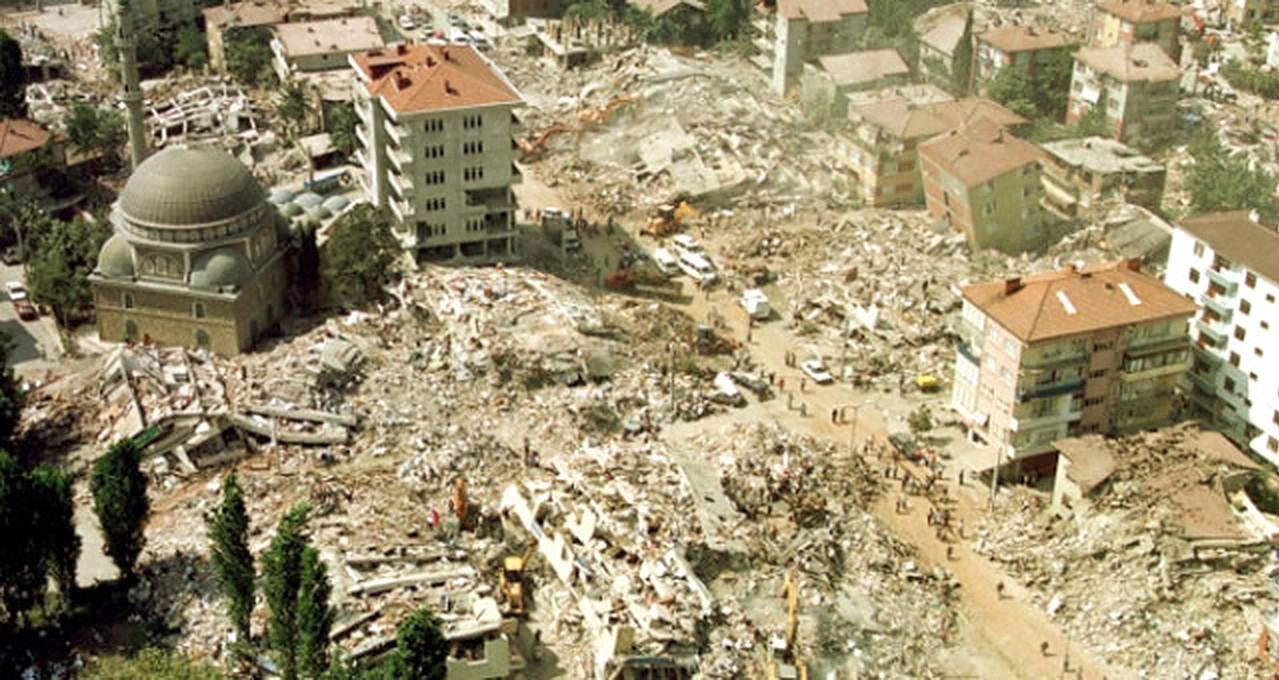 Jahrestag des Erdbebens von 1999: Türkei gedenkt der Opfer (Gölcük)